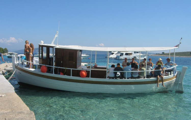 "Boat ""Patalole"""